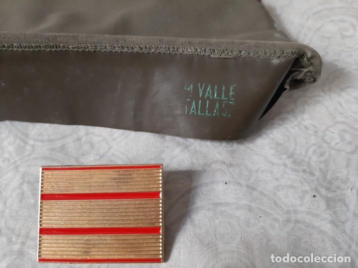 Militaria: GORRILLO ISABELINO CUARTELERO EJERCITO ESPAÑOL AÑOS 60 O 70 CON INSIGNIA DE SARGENTO - Foto 2 - 194309208