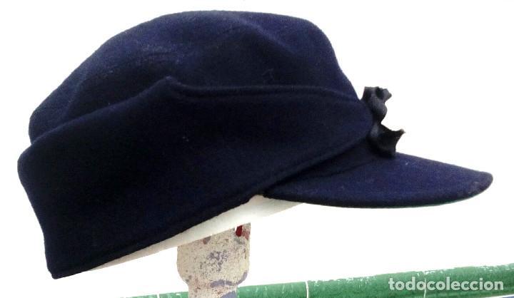 Militaria: Gorra montañera de Falange, Frente de Juventudes, azul mahón, paño,lana,orejeras y cogotera.Talla 55 - Foto 3 - 194313231