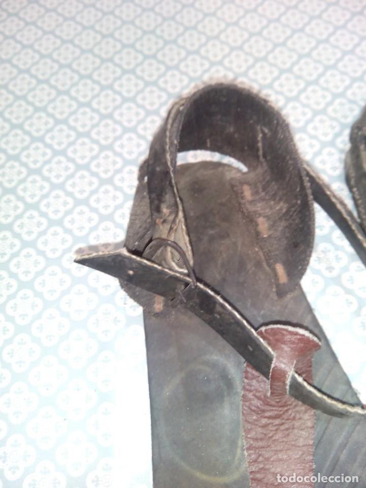 Militaria: Antiguas alpargatas de cuero del siglo xix - Foto 3 - 194333541