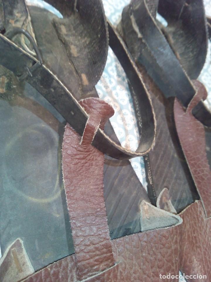 Militaria: Antiguas alpargatas de cuero del siglo xix - Foto 5 - 194333541
