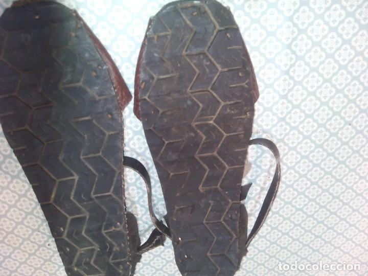 Militaria: Antiguas alpargatas de cuero del siglo xix - Foto 11 - 194333541