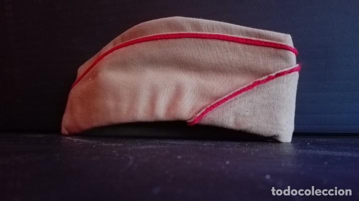 Militaria: Dos gorras militares de faena años 70 talla 54 - Foto 4 - 194540792