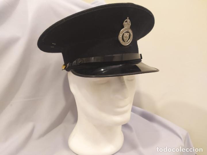 REINO UNIDO - POLICÍA BRITÁNICA - AÑOS 60 (Militar - Boinas y Gorras )