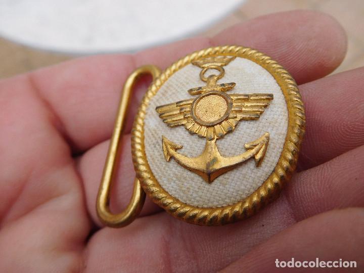 Militaria: Hebilla de cinturón de gala para oficiales de la aviación naval época Franco - Foto 2 - 198413823