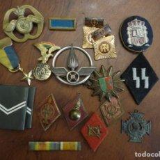 Militaria: 18 PIEZAS UNIFORMES,DISTINTIVOS,MEDALLAS,ETC.. Lote 198512537