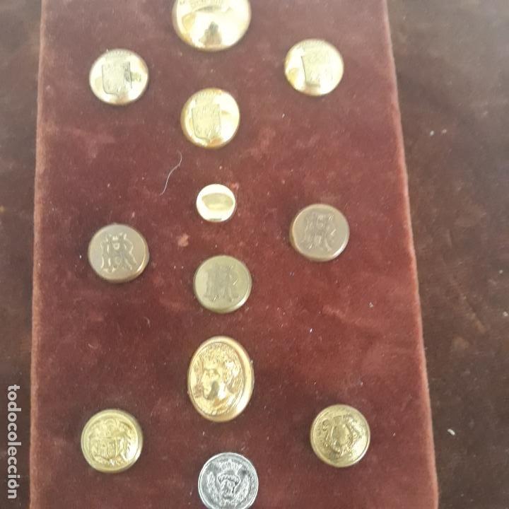 Militaria: coleccion de botones antiguos - Foto 2 - 199360423