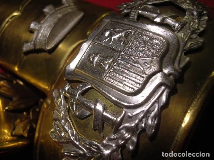 DRAGONAS Y HOMBRERAS REPUBLICANAS DE OFICIAL JEFE DEL ARMA DE ARTILLERIA. SEGUNDA REPUBLICA. (Militar - Otros relacionados con uniformes )