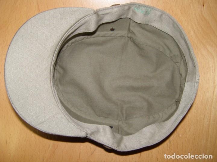 Militaria: Gorra del Ejército Español, años 60-70, visera corta rígida, talla 58. - Foto 3 - 206417287