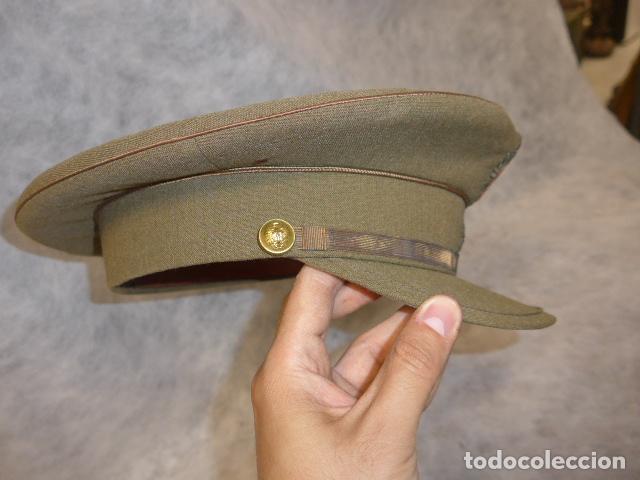 Militaria: Antigua gorra de alferez de años 40-50, con visera inclinada y agujeros aireacion. Original, Franco - Foto 4 - 213659218