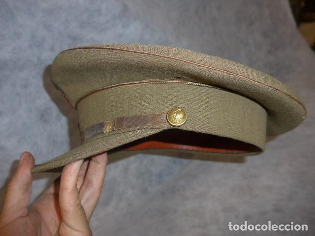 Militaria: Antigua gorra de alferez de años 40-50, con visera inclinada y agujeros aireacion. Original, Franco - Foto 5 - 213659218