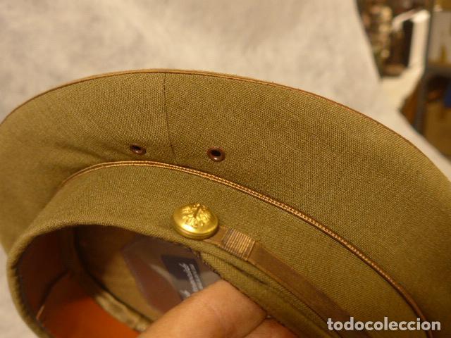 Militaria: Antigua gorra de alferez de años 40-50, con visera inclinada y agujeros aireacion. Original, Franco - Foto 6 - 213659218