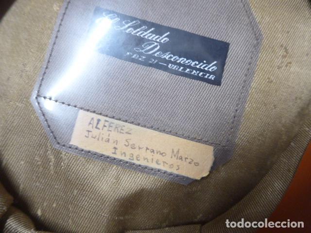 Militaria: Antigua gorra de alferez de años 40-50, con visera inclinada y agujeros aireacion. Original, Franco - Foto 11 - 213659218