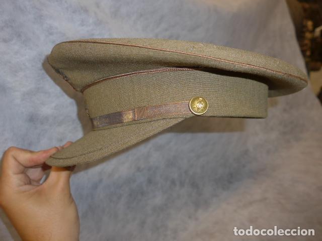 Militaria: Antigua gorra de alferez de años 40-50, con visera inclinada y agujeros aireacion. Original, Franco - Foto 12 - 213659218