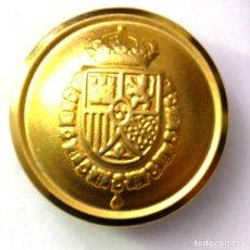 Militaria: BOTÓN GUARDIA REAL FVI ABOMBADO DORADO 23 MM. Lote 213917882