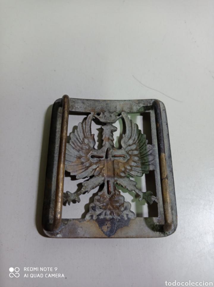Militaria: Antigua hebilla de cinturón militar con águila de San juan y cruz de Santiago. - Foto 2 - 214565625