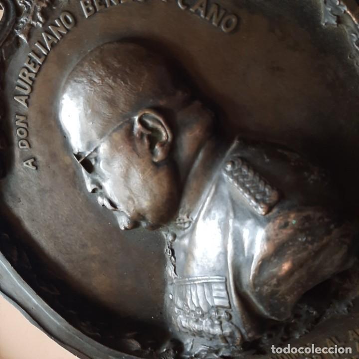 Militaria: Bronce artístico a un militar de Cadiz - Foto 2 - 214604346