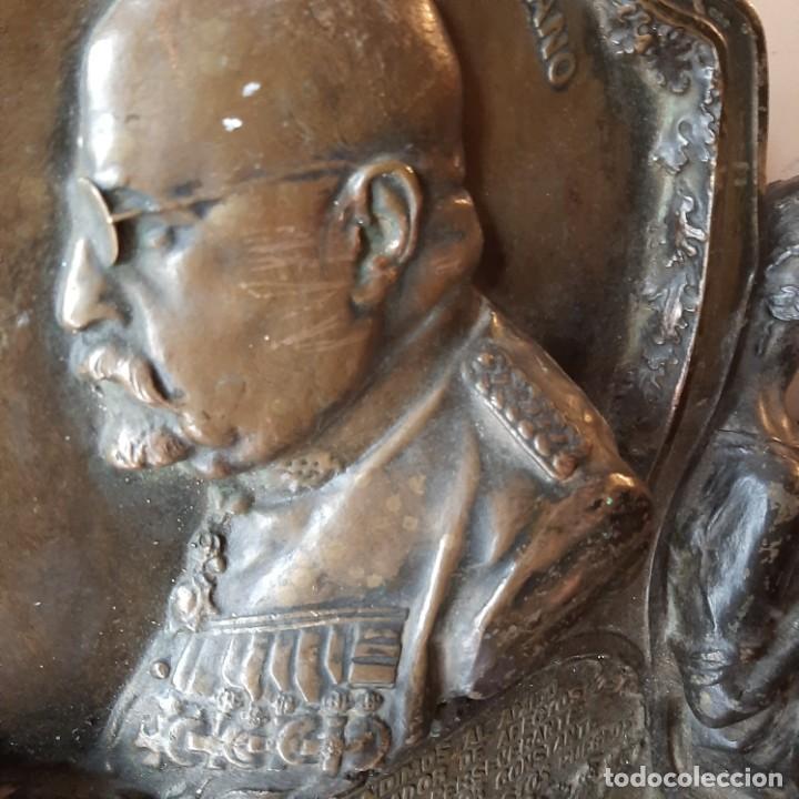 Militaria: Bronce artístico a un militar de Cadiz - Foto 3 - 214604346