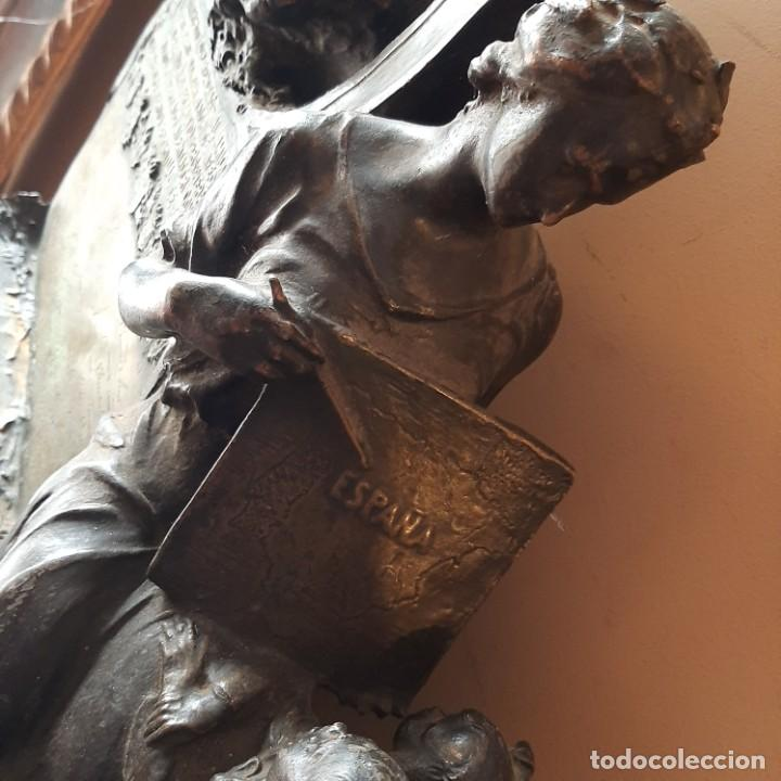 Militaria: Bronce artístico a un militar de Cadiz - Foto 4 - 214604346