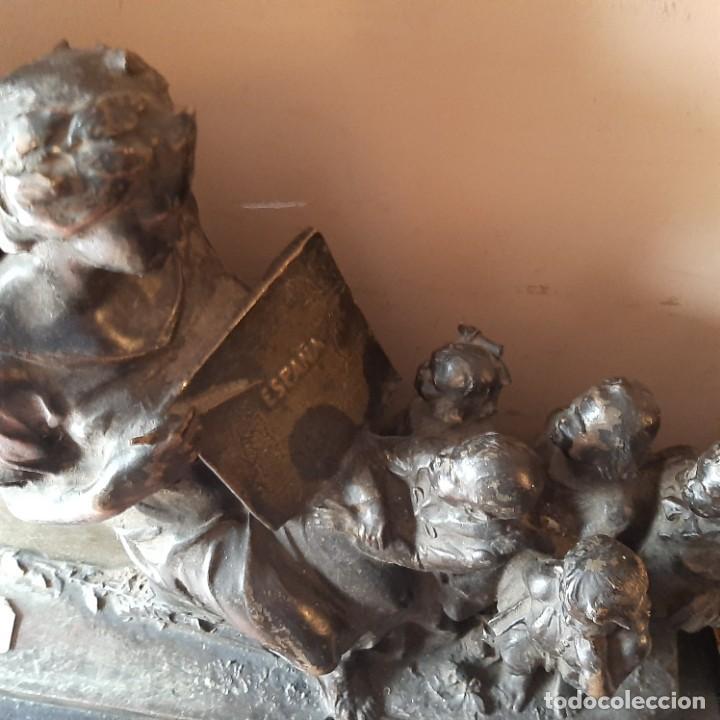 Militaria: Bronce artístico a un militar de Cadiz - Foto 5 - 214604346
