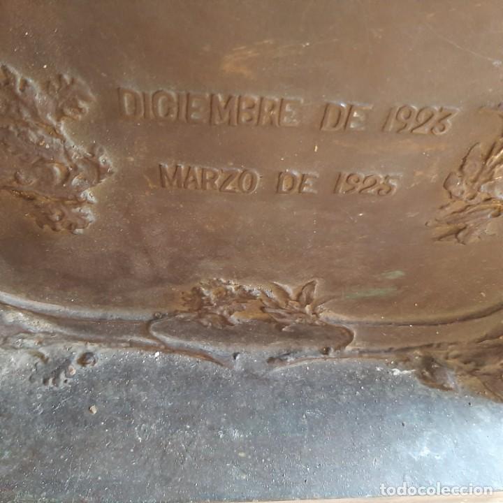 Militaria: Bronce artístico a un militar de Cadiz - Foto 10 - 214604346