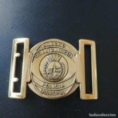Militaria: HEBILLA METALICA: POLICIA MUNICIPAL DE BILBAO - BILBOKO UDALTZAINGOA. Lote 215910772