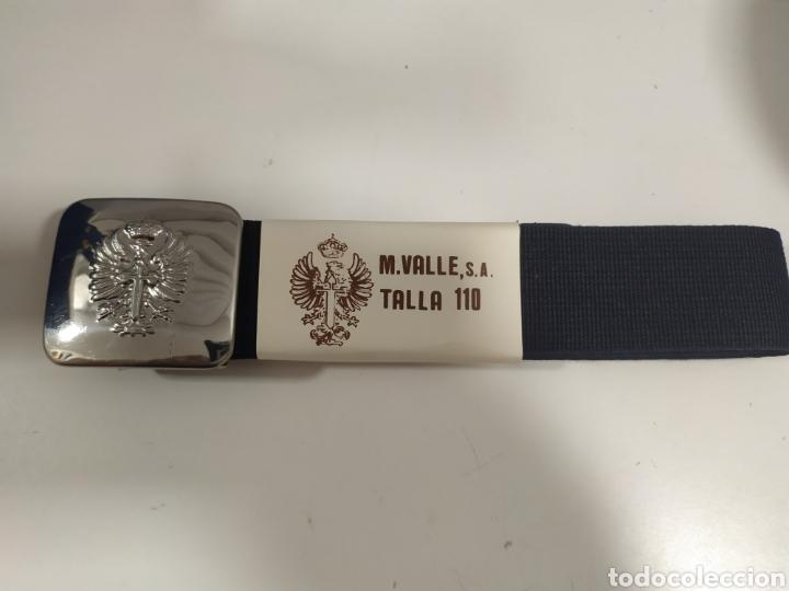 ANTIGUO CINTURON EJERCITO DE TIERRA AZUL , HEBILLA PLATEADA , TALLA 110 (Militar - Cinturones y Hebillas )
