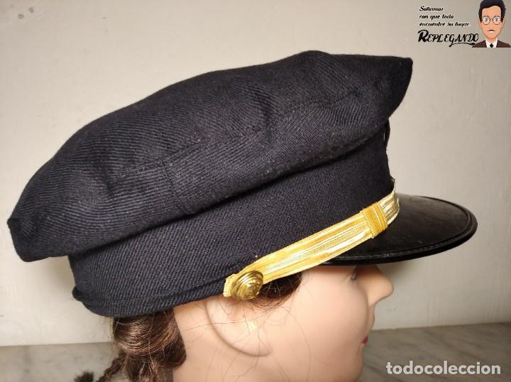 Militaria: GORRA DE LA MARINA MERCANTE - ESPAÑA - HECHA POR CARMEN PUIG - AZUL CON FUNDA BLANCA - AÑOS 70/80 - Foto 9 - 220853540