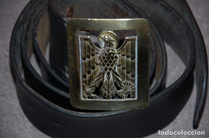 CINTURON DE CUERO ANTIGUA POLICIA ARMADA AÑOS 60/05 (Militar - Cinturones y Hebillas )