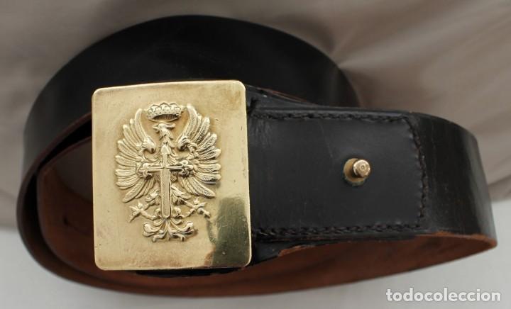 ANTIGUO CINTURÓN DE CUERO CON HEBILLA (Militar - Cinturones y Hebillas )
