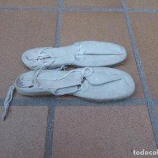 Militaria: ALPARGATAS BLANCAS DEL EJÉRCITO ESPAÑOL. TALLA 38. Lote 228167255
