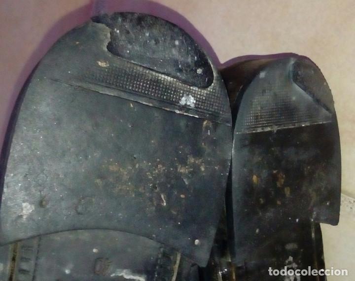 Militaria: Botas bajas de cuero negro, borceguíes británicos. Recreación histórica, G. Civil, 2GM. T 40 antigua - Foto 4 - 229734995