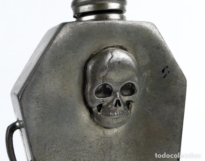Militaria: English pewter, Sheffield - 4 OZ- Petaca de peltre - ataúd -Memento mori- Principios S.XX - Foto 4 - 230269705