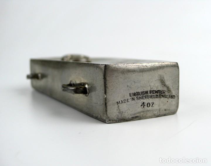 Militaria: English pewter, Sheffield - 4 OZ- Petaca de peltre - ataúd -Memento mori- Principios S.XX - Foto 5 - 230269705