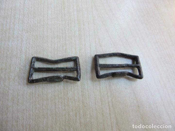 Militaria: Dos hebillas de correajes antiguas de bronce - Foto 2 - 235101855