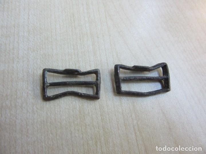 Militaria: Dos hebillas de correajes antiguas de bronce - Foto 3 - 235101855