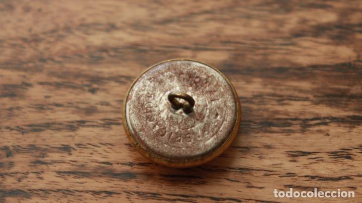 Militaria: Antiguo botón de uniforme de Correos y Telegrafos años 50-60 - Foto 4 - 235195555
