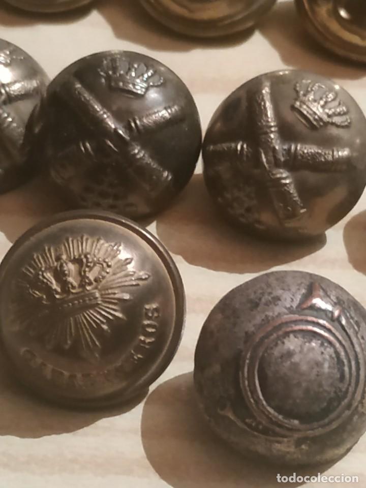 Militaria: botones militares - Foto 2 - 236229100