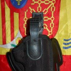 Militaria: FUNDA PISTOLA VEGA HOLSTER FH200. Lote 238163100
