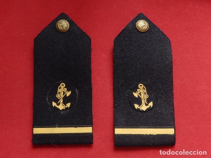 Militaria: Armada Española. Marina Guerra. Hombreras. Suboficiales. Subteniente. Contramaestre. Época Juan Carl - Foto 18 - 245446950
