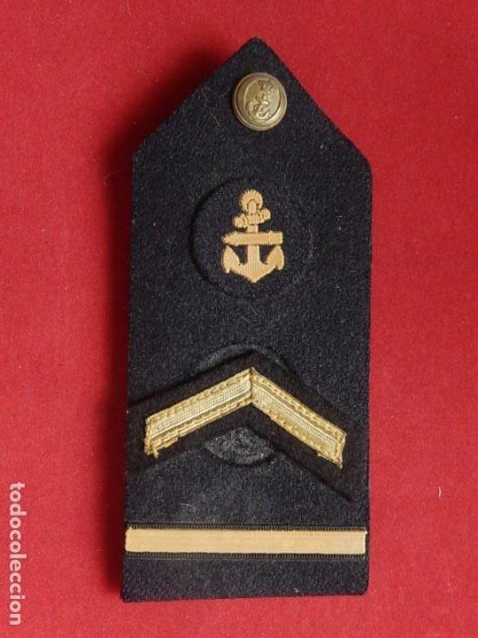 Militaria: Armada Española. Marina Guerra. Hombreras. Suboficiales Superiores. Subteniente. Torpedista. Época J - Foto 2 - 245449160