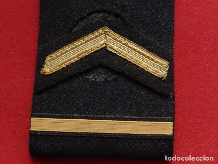 Militaria: Armada Española. Marina Guerra. Hombreras. Suboficiales Superiores. Subteniente. Torpedista. Época J - Foto 13 - 245449160