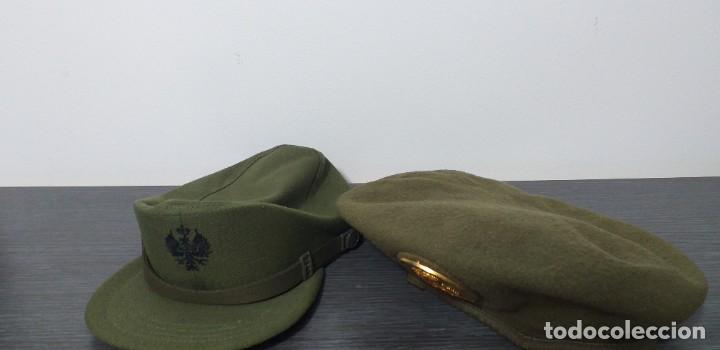 UNIFORME - MILITAR- VINTAGE- EJERCITO ESPAÑOL- GORRA Y BOINA (Militar - Boinas y Gorras )