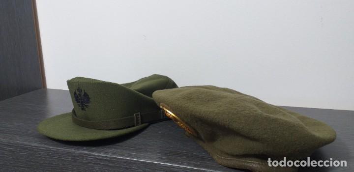 Militaria: UNIFORME - MILITAR- VINTAGE- EJERCITO ESPAÑOL- GORRA Y BOINA - Foto 2 - 224549052