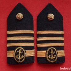 Militaria: ESPAÑA. MARINA MERCANTE. HOMBRERAS. CAPITÁN. ÉPOCA DE FRANCO.. Lote 246025075