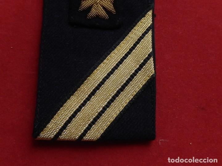 Militaria: Armada Española. Marina de Guerra. Hombrera. Sanitarios. Época de Franco. - Foto 4 - 246104455