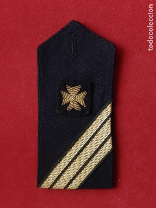 Militaria: Armada Española. Marina de Guerra. Hombrera. Sanitarios. Época de Franco. - Foto 9 - 246104455