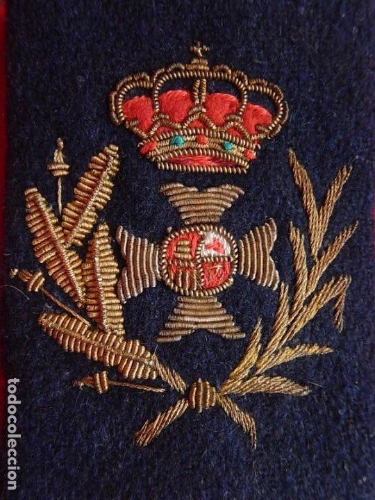 SANIDAD. MANGUITO. ÉPOCA DE JUAN CARLOS I. (Militar - Otros relacionados con uniformes )