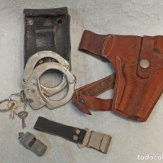 Militaria: LOTE DE POLICÍA ARMADA. GRILLETES, TAHALI, PISTOLERA.... B6. Lote 248700480