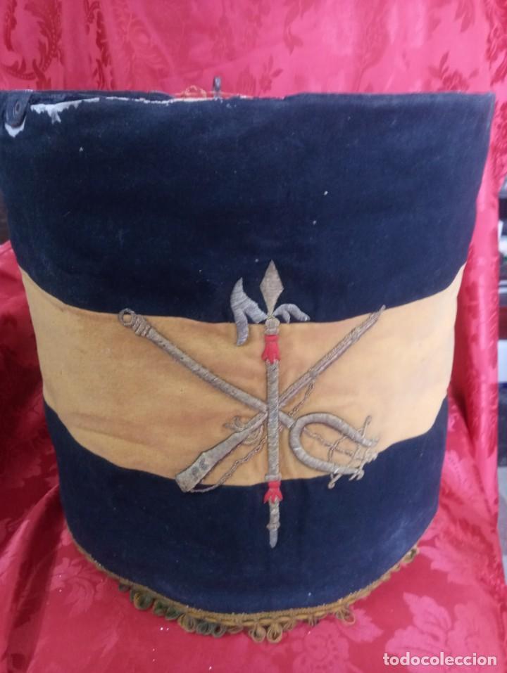 Militaria: Tambor con su gala de la Legión época Franco. - Foto 2 - 253095460