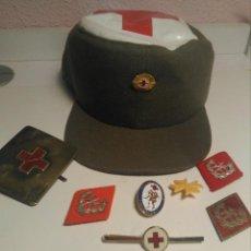 Militaria: LOTE INSIGNIAS GORRA CRUZ ROJA MILITAR. Lote 255398165